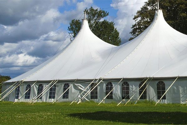 Rent canopy tents at Party Plus Events serving the Chicago area