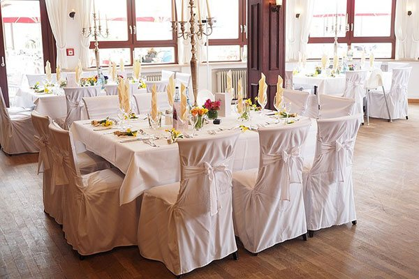 Rent linens at Party Plus Events serving the Chicago area