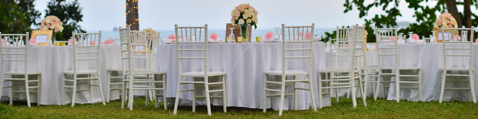 Tablecloth rentals in Palatine IL